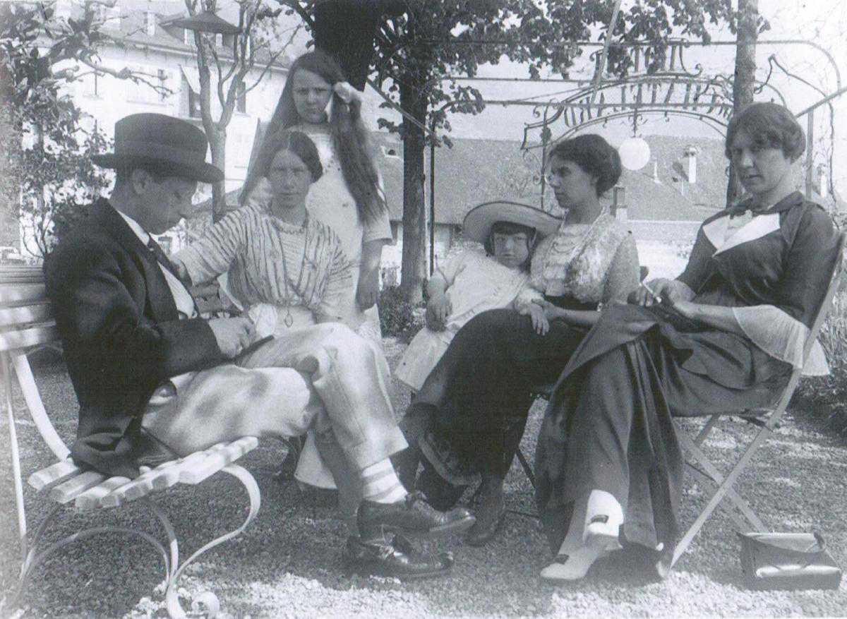 Русскую жену с друзьями по кругу 14 фотография