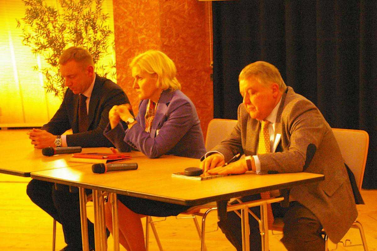 Слева направо: Д.Ливанов, О.Голодец, М.Ковальчук (©Nasha Gazeta.ch)