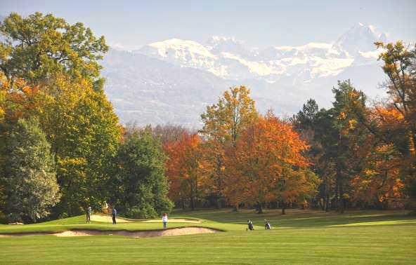 Поле для гольфа в Колоньи