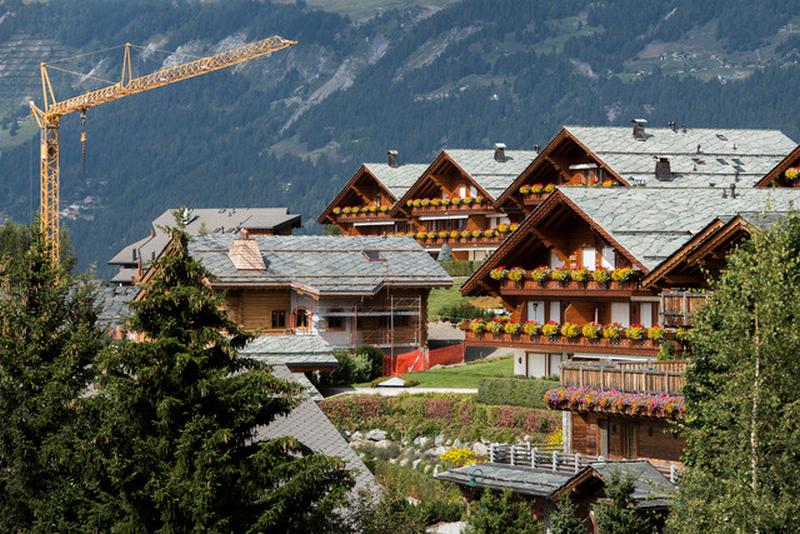 Продажа недвижимости швейцария погода дубай в августе
