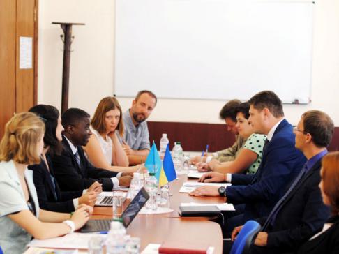 Эмигрантами вгосударстве Украина: Беяни поведал оситуации синвалидами